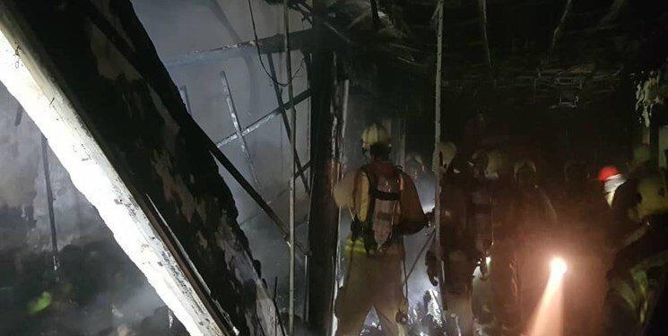 آتش سوزی گسترده در بازار سنتی ستارخان ، 12 مغازه به طور کامل تخریب شد